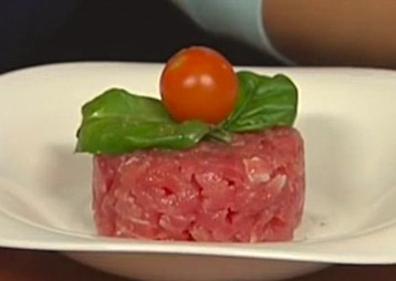 тартар из тунца с помидорами черри