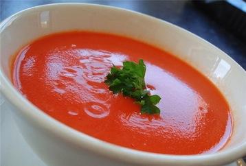 томатный суп с креветками и сыром