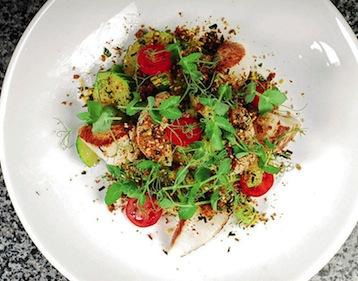 салат с морскими гребешками и креветками