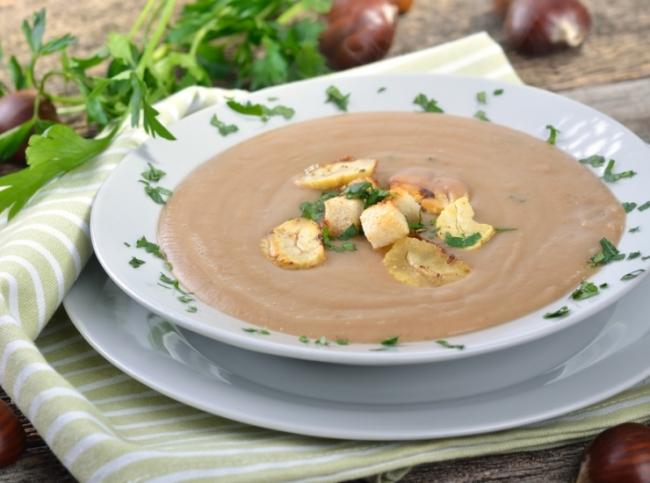 Суп-из-куриной-печени-с-грибами