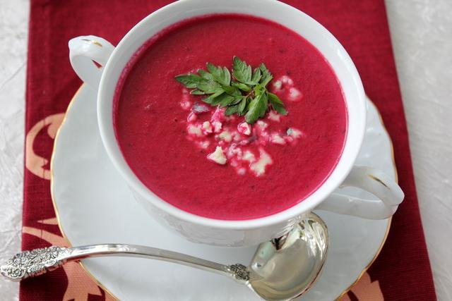 Суп пюре из свеклы на кефире