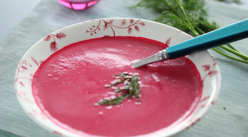 Холодный суп пюре из свеклы по Дюкану