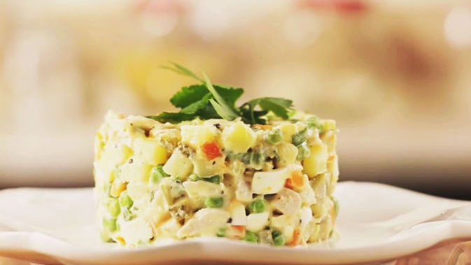 Оливье с курицей салат по Дюкану